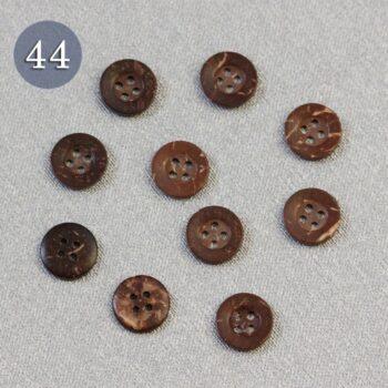 Пуговица №44 с 4 отверстиями 15 мм